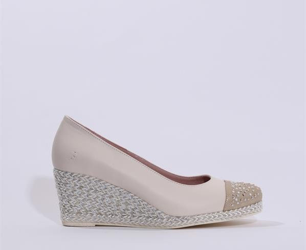 Jose Saenz wedge, €95 Shop HERE (The perfect summer wedge!)